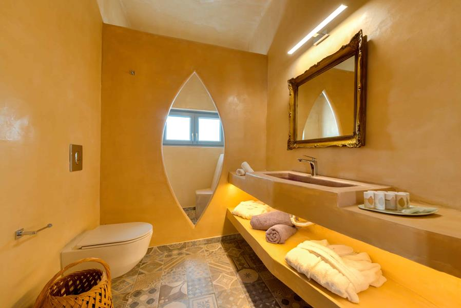 Nereus Suite Bathroom