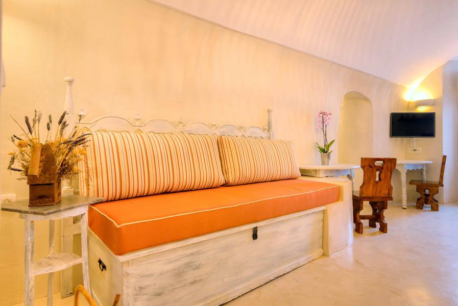 Oceanida Cave Suites