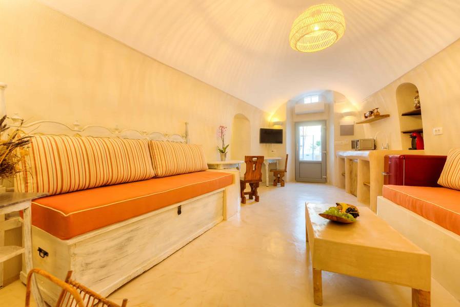 Oceanida Cave Suites Sitting Room