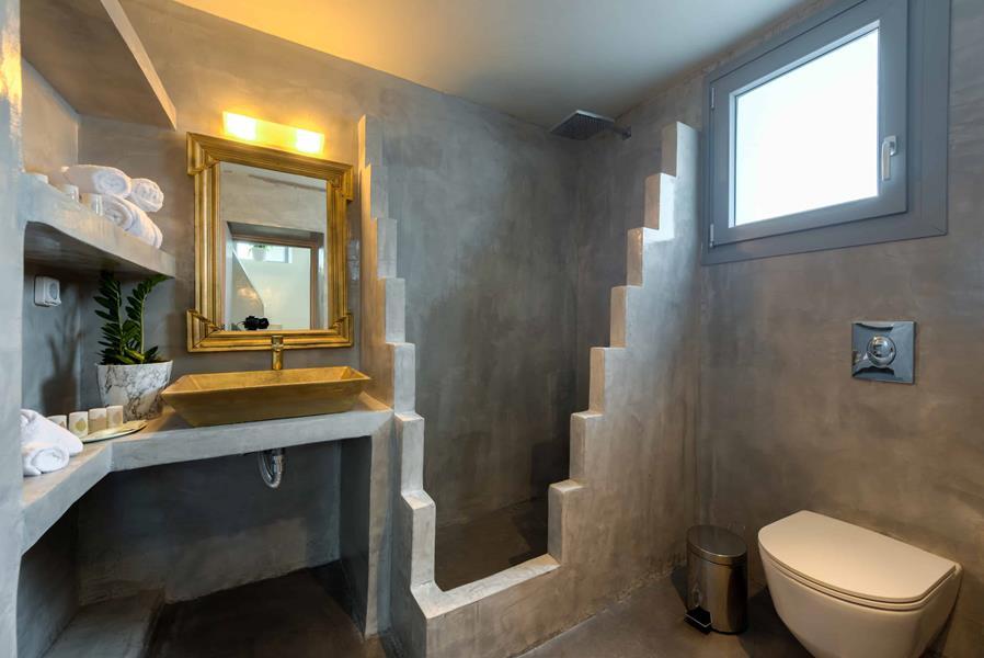Thetis Suite Bathroom